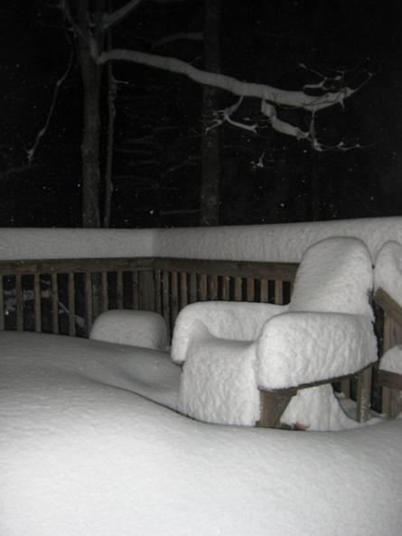 Snow cushion on deck chair