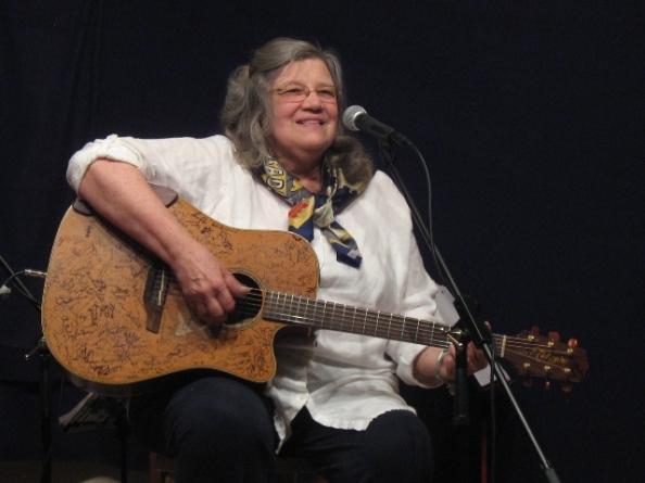 Louan sings Leelanau County at the Amvets Hall in ER